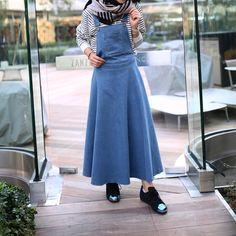 Cute overall skirt Hijab Wear, Casual Hijab Outfit, Hijab Chic, Muslim Fashion, Modest Fashion, Hijab Fashion, Fashion Dresses, Hijab Collection, Casual Formal Dresses