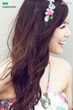 love the headband Tiffany of SNSD is wearing