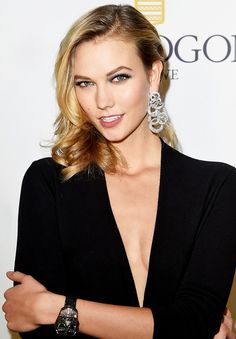 karlie kloss // deep side part #hair