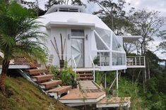 5 dome house display models that are resistant to natural disasters - architecturian Monolithic Dome Homes, Geodesic Dome Homes, Building Design, Building A House, Dome Structure, Home Exchange, Dome House, House Layouts, Natural Disasters