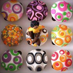 Retro cupcake design...