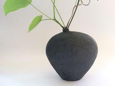 Vase, oval Silke-Freitag.de Keramik Design, Pottery Handbuilding, Keramik Vase, Concrete, Decor, Projects, Ceramic Pottery, Ceramics Projects, Hannover