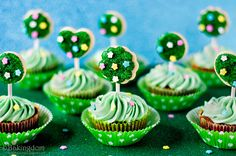 Festively, fabulously pretty Spring Topiary Cupcakes. #food #cooking #foodphotography #baking #cupcakes #green #StPatricksDay #spring #dessert