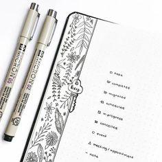 I added some botanical doodles to my key page bc although they are very simple, they can really make things look prettier . . . Adicionei uns desenhos de plantinhas na minha página da legenda (?), porque mesmo sendo bem simples, elas deixam tudo mais bonito