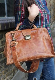 Leather doctor bag in tan leather