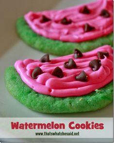 of the BEST Summer Treats & Desserts for Kids! These fun watermelon cookies are so colorful and fun!These fun watermelon cookies are so colorful and fun! Cookie Desserts, Just Desserts, Cookie Recipes, Delicious Desserts, Dessert Recipes, Yummy Food, Health Desserts, Easy Picnic Desserts, Mexican Desserts