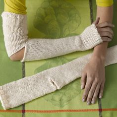 Snow Day Gauntlets in Lion Brand Wool-Ease Thick & Quick - 90678AD. Discover more Patterns by Lion Brand at LoveKnitting. The world's largest range of knitting supplies - we stock patterns, yarn, needles and books from all of your favorite brands.