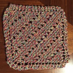 Basic Lace Diamond Dishcloth Cathy Richards, 2016 This small dishcloth combines basic garter stitch with the concept of increases (with yarnovers) and decreases. It's a nice fast knit, especi… Knitted Washcloth Patterns, Knitted Washcloths, Dishcloth Knitting Patterns, Knitting Stiches, Crochet Dishcloths, Knit Patterns, Stitch Patterns, Knit Crochet, Free Knitting