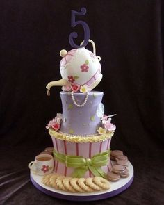 What 5-year-old could truly appreciate this?? Ladies please keep this in mind for my ideal future bridal shower cake. <3