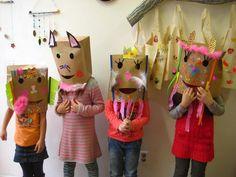 Paperbag maskers.