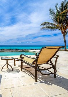 Oceanfront infinity pool at Waterside Escapes rental villa, West End, Grand Bahama Island