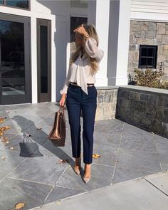 35 Trendy Outfits Ideas For Work in 2020 Spring - 35 fashion outfits ideas of work for you if you want to find an idea of work outfits. They include office chic, casual, professional attire, classy, office chic simple. Source by - Office Outfits Women Casual, Summer Business Casual Outfits, Stylish Work Outfits, Spring Work Outfits, Business Outfits, Simple Office Outfit, Fall Outfits, Summer Office Outfits, Classic Outfits