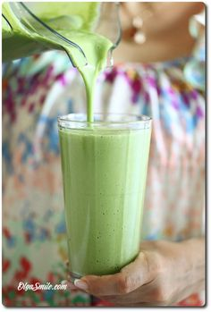 KOKTAJL Z ZIELONEJ PIETRUSZKI Vegetable Smoothies, Easy Smoothies, Smoothie Blender, Smoothie Drinks, Best Blenders, Protein Shakes, Clean Eating Snacks, Nutribullet, Glass Of Milk