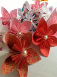Origami flor con perla, colores variados