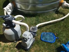 Pool Filter for the Stock Tank Pool - I can see one of these in our future! Stock Pools, Stock Tank Pool, Redneck Pool, Galvanized Stock Tank, Galvanized Tub, Casa Patio, Pool Filters, Water Filter, Diy Pool