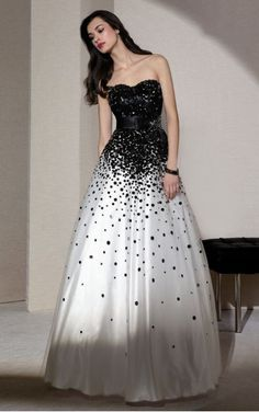 Favodresses.com is a professional women's dresses online shop,where you can find your favourite Paillette Floor-length A-Line Sweetheart Dress