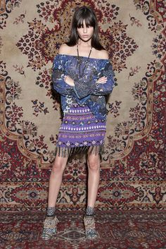 See the complete Nicole Miller Pre-Fall 2015 collection.