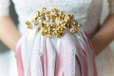 Wedding Wands - Hochzeitsstäbe mit Glöckchen in silber oder gold Wedding Wands, Brooch, Crown, Gold, Etsy, Jewelry, Silver, Corona, Jewlery