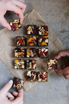 dark chocolate bites - the perfect little nosh to help power through a train delay or restaurant wait list without turning into a hungry zombie. Chocolate Snacks, Chocolate Bark, Chocolate Recipes, Chocolate Gifts, Ice Cube Chocolate, Dark Chocolate Bar, Chocolate Shop, How To Make Chocolate, Snacks Saludables