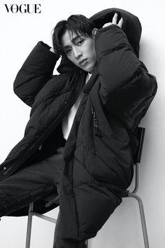 Omfg imagine if he did the one with his new hair style? Girls Girls Girls, Got7 Bambam, Kim Yugyeom, Got7 Jackson, Jackson Wang, Seoul, Got7 Aesthetic, Park Jinyoung, Got7 Mark Tuan