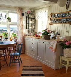 Cute little kitchen.