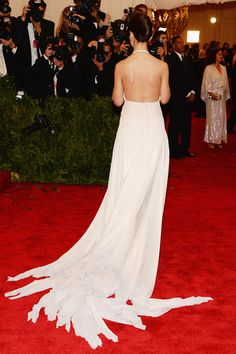 Check out the train on Katie Holmes's Met Gala gown!