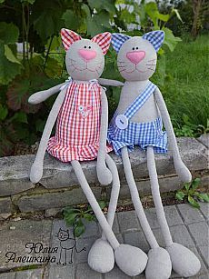 Amazing Home Sewing Crafts Ideas. Incredible Home Sewing Crafts Ideas. Cat Crafts, Sewing Crafts, Sewing Projects, Fabric Toys, Cute Pillows, Cat Doll, Sewing Dolls, Toy Craft, Stuffed Toys Patterns