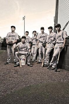 17 Creative Ideas for Baseball and Softball Team Portraits - Sport Softball Team Photos, Baseball Team Pictures, Sports Pictures, Senior Softball, Baseball Videos, Cheer Pics, Volleyball Pictures, Softball Mom, Cheer Pictures