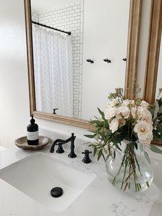 Low Budget Home Decoration Ideas Info: 6392705724 Bohemian Interior Design, Decor Interior Design, Interior Decorating, Decorating Ideas, Bathroom Inspiration, Home Decor Inspiration, Casa Kids, Home And Deco, Bathroom Interior
