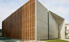 The Espaço Cultural Porto Seguro, a new centre for the arts designed by Brazilian firm São Paulo Arquitetura, was envisioned as a key hub to provide the inhabitants of Campos Elíseos with a much-needed centrededicated to culture andcreativity. T...