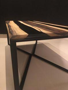 Diy wood table epoxy Ideas for 2020 Walnut Coffee Table, Diy Coffee Table, Modern Coffee Tables, Modern Table, Wood Home Decor, Unique Home Decor, Epoxy Resin Table, Bedroom Organization Diy, Walnut Wood