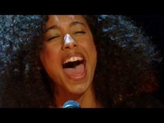 Live singing of pure emotion from Corinne Bailey Rae.no gimmicks, just singing it from the soul without a safety net Corinne Bailey Rae, Sounds Good To Me, Ray Charles, Inspirational Videos, Over Dose, Losing Her, Debut Album, Love Her, Beautiful People