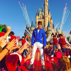 justin bieber. that is one awesome photo. #PopCulture #Disney #BieberFever