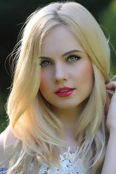 Makeup Tips For Summer Pic Pretty blonde girl Makeup Tips For Summer Pic Beautiful Blonde Girl, Beautiful Girl Photo, Beautiful Girl Indian, Beauty Full Girl, Cute Beauty, Beauty Women, Beauty Girls, Real Beauty, Asian Beauty