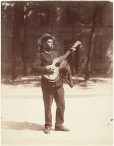 Guitariste (Paris 1900 - Eugène Atget)