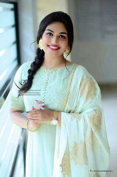 Beautiful Girl Image, Gorgeous Women, Chandigarh, Kolkata, Pune, Hyderabad, Chennai, Prayaga Martin, Wedding Hijab Styles