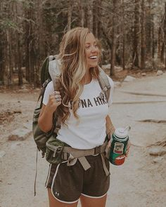 Summer on Santorini Pack - Camping Ideas Mountain Hiking Outfit, Cute Hiking Outfit, Trekking Outfit, Summer Hiking Outfit, Summer Outfits, Hiking Outfits, Mountain Outfits, Sport Outfits, Cute Camping Outfits