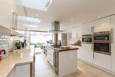 4 Beds House For Sale in Tonsley Hill, SW18