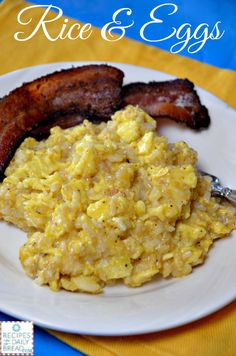 Rice and Eggs Delicious Breakfast. What to do leftover rice? Have you ever tried Rice & Eggs? It is seasoned well and a great change from scrambled eggs. Use your leftover Rice. Rice Breakfast Recipes, Sausage Breakfast, Best Breakfast, Detox Breakfast, Breakfast Menu, Breakfast Time, Breakfast Casserole, Breakfast Ideas, Leftover Rice Recipes