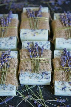 How To Make Lavender Honey Lemon Soap - DIY .- Gewusst wie: Lavendel-Honig-Zitronen-Seife herstellen – DIY and Crafts 2019 How to: Make Lavender Honey Lemon Soap to Make Honey Honey Lemon Soap - Lavender Honey, Lavender Soap, Honey Lemon, Lavander, Lavender Ideas, Lavender Crafts, Lavender Buds, Lemon Soap, Honey Soap