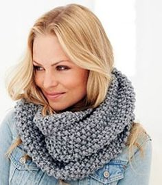 Eight by Six: knitted Moss stitch snood (free knitting pattern) Snood Knitting Pattern, Outlander Knitting Patterns, Knitting Patterns Free, Free Knitting, Free Pattern, Beginner Knitting, Infinity Scarf Knitting Pattern, Cowl Patterns, Sock Knitting