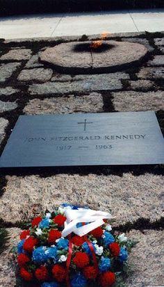 The eternal flame - John Fitzgerald Kennedy United States President. 1917 - 1963 - Headstone in Arlington National Cemetery Black Granite Flush marker set in pink granite pavers with eternal flame. Jackie Kennedy, Les Kennedy, Famous Tombstones, Kennedy Assassination, Famous Graves, John Fitzgerald, Grave Memorials, Jfk, Memories