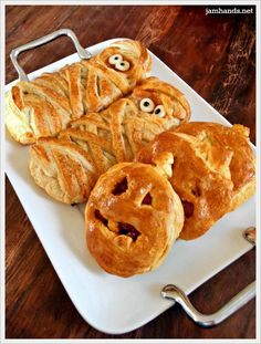Halloweenie BBQ Cheese Pockets SO VERY EASY AND YOU WILL LOVE MAKING THESE EITHER TOGETHER WITH THEM OR SURPRISE THEM. I THOUGHT THAT THEY WHERE CUTE. I HOPE THAT YOU WILL TOO. MAKE SOME TODAY...ENJOY