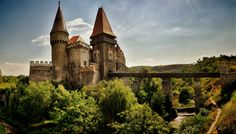 The city of Hunedoara, Romania has the most important Gothic-style secular building in Transylvania: Hunyad Castle, also known as Corvin Castle Romania Facts, Transylvania Romania, Carpathian Mountains, Local Tour, Beautiful Castles, Exotic Places, Medieval Castle, World Heritage Sites, Tour Guide
