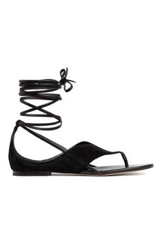 Zamszowe sandały - Czarny - ONA | H&M PL