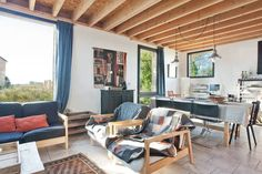 Regardez ce logement incroyable sur Airbnb : Gîte les Buis 8 pers avec piscine - maisons à louer à Angles-sur-l'Anglin