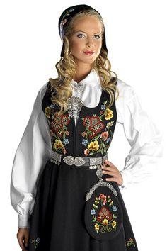 Hordaland Bunad Folk Costume, Costumes, Medieval Dress, Traditional Dresses, Norway, Scandinavian, Sari, Princess, Folklore