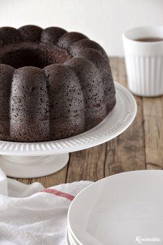 Ονειρεμένο κέικ σοκολάτας που λιώνει στο στόμα / Dreamy chocolate fudge bundt cake Chocolate Greek Yogurt, Chocolate Cake, Sweet Recipes, Cake Recipes, Cake Bites, Just Cakes, Cupcake Cakes, Food Cakes, Cupcakes