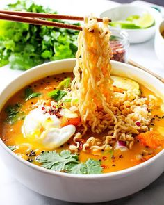 Pumpkin Ramen Pho-spiced pumpkin ramen, anyone?Pho-spiced pumpkin ramen, anyone? Ramen Recipes, Asian Recipes, Vegetarian Recipes, Cooking Recipes, Healthy Recipes, Ethnic Recipes, Asian Noodle Recipes, Vegetarian Salad, I Love Food
