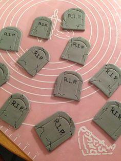 Gravestone cupcake toppers